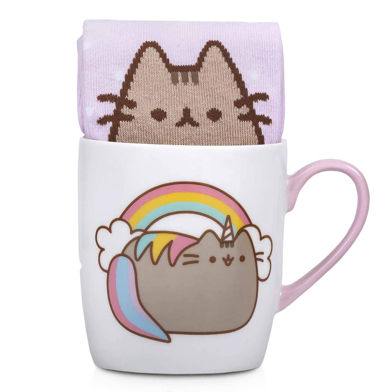 Pusheen - Rainbow Socken und Tasse