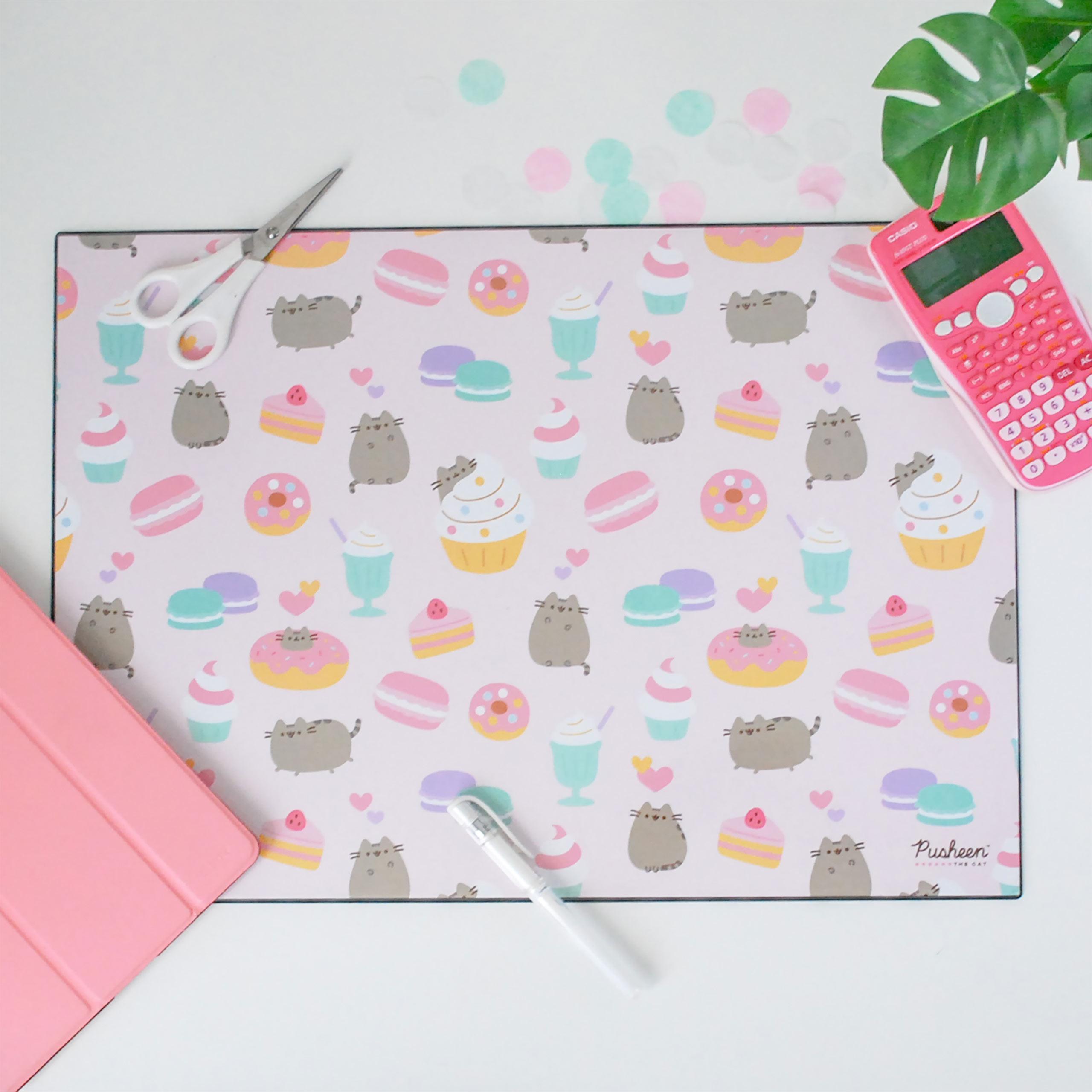 Pusheen - Foodie Schreibtischunterlage